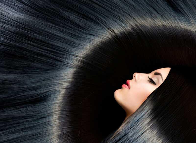 10 preprostih lasnih nasvetov o tem, kako zmanjšati in zaustaviti padec las