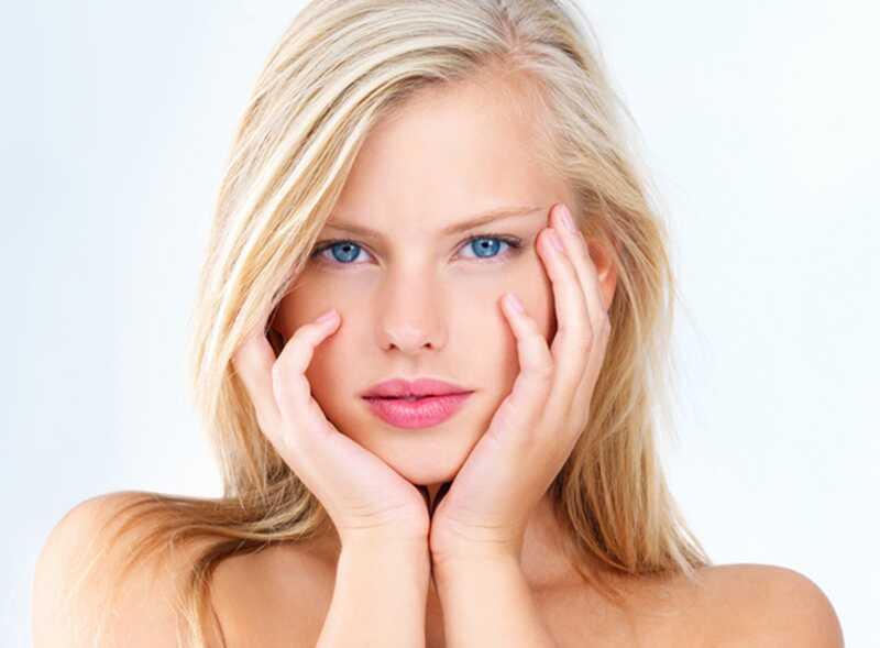 8 lepotnih nasvetov o tem, kako popraviti suho kožo