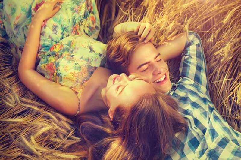 Kateri srečni pari delajo drugače? 10 srečnih odnosov