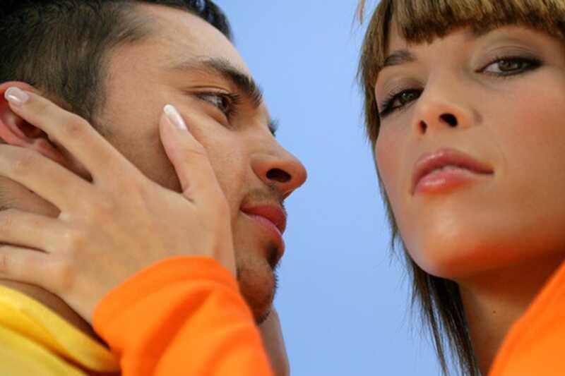 10 razlogov, zakaj ni v redu, da se povežete s svojim najboljšim prijateljem