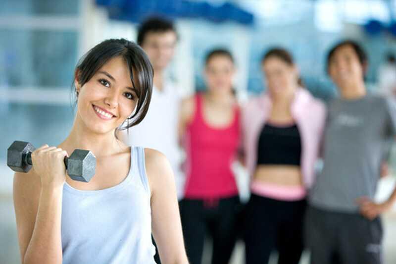 Kako hitro zgraditi mišice? 10 najboljših nasvetov osebnih trenerjev