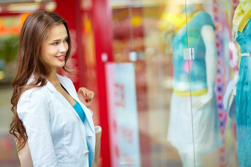 10 modnih potrebščin, ki jih vsako dekle potrebuje v svoji garderobi jeseni