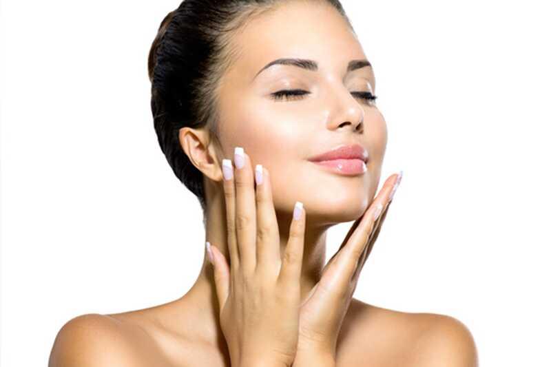 10 naravnih lepotnih nasvetov o tem, kako najti čisto kožo kdajkoli