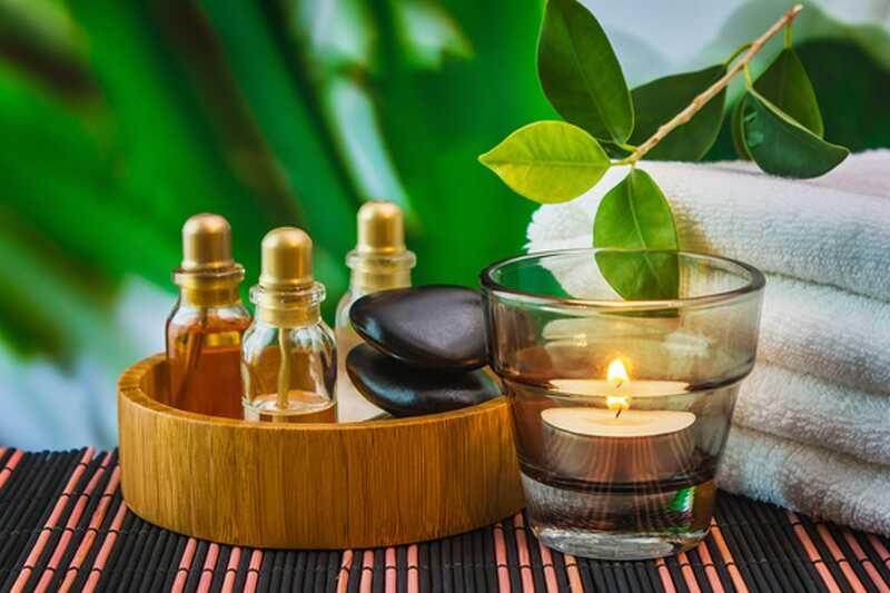 10 eteričnih olj, ki bi jih morali vedno imeti doma