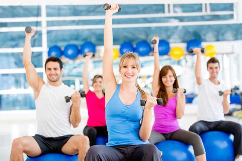 10 uporabnih nasvetov o tem, kaj naj nosijo v telovadnici