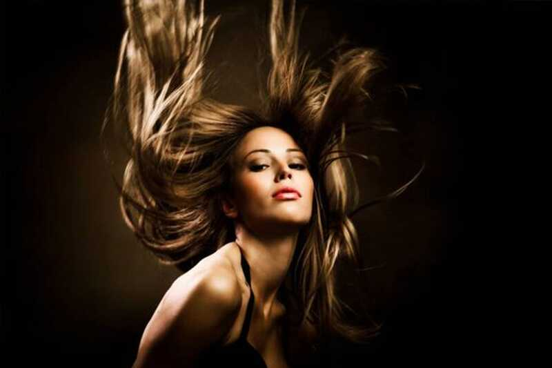 10 živil, ki vam lahko pomagajo imeti bolj zdrave, močnejše in daljše lase