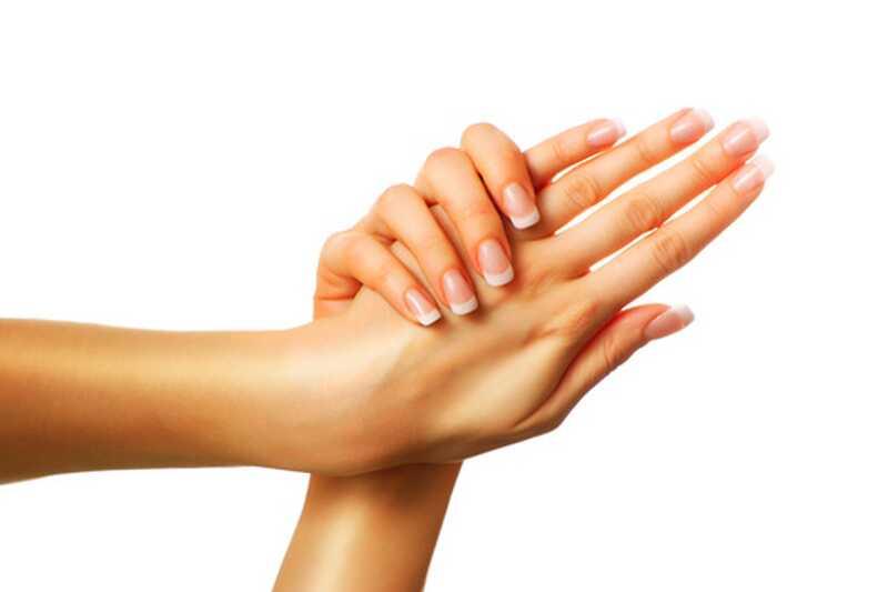 10 разлога зашто руке изгледају стари и како то поправити
