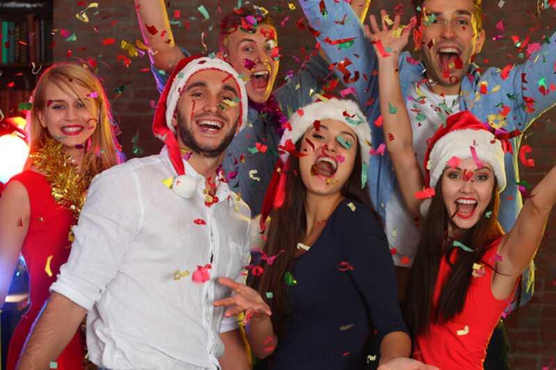 10 забавних ствари које можете учинити у новогодишњем вечеру