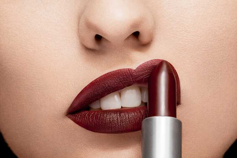 10 šminke za šminko, ki jih mora vsaka kraljica makeupa vedeti