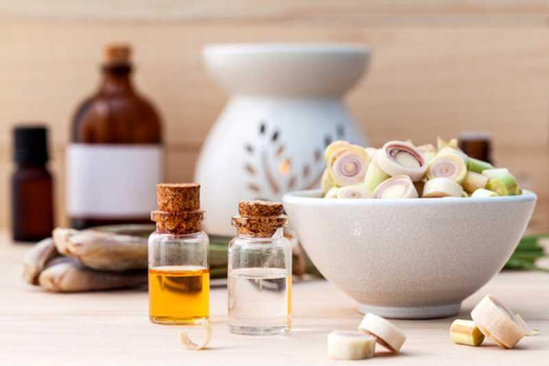 10 prednosti eteričnega olja lemongrassa