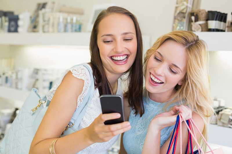 10 знаци на лажни пријатели кои треба да ги избегнувате