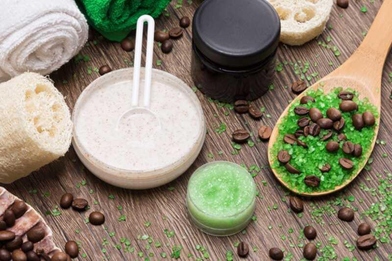 Kako se znebiti celulita na stegnih naravno?