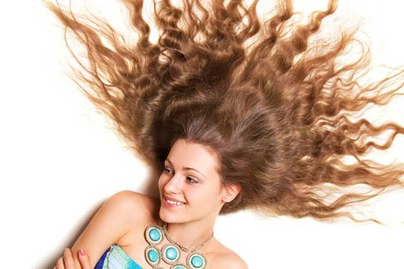 10 maneres de vèncer els cabells greixos