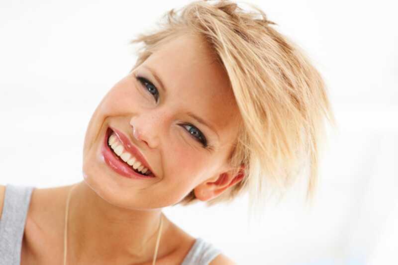 10 smieklīgi blondu joki