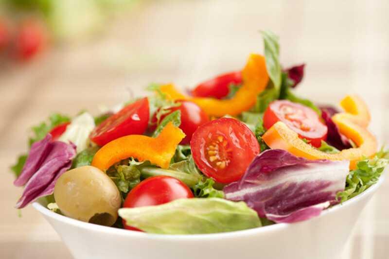 10 škodljivih sestavin v solatnih prelivih
