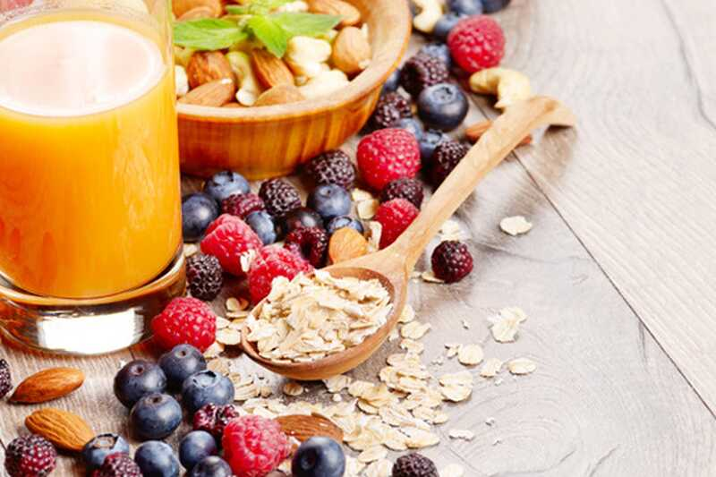 10 idej okusnih, zdravih prigrizkov na poti