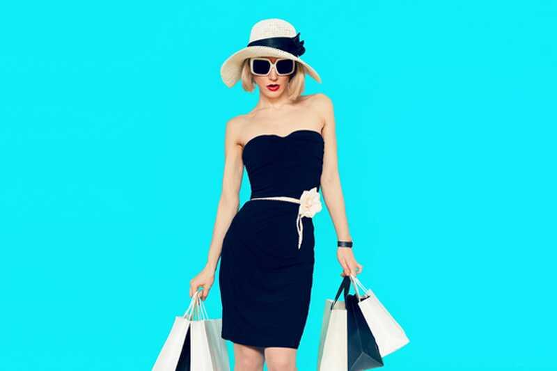 10 načinov za oblikovanje majhne črne obleke