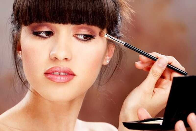 10 šminka za šminkanje koje će vam pomoći da izvučete vrata mnogo brže