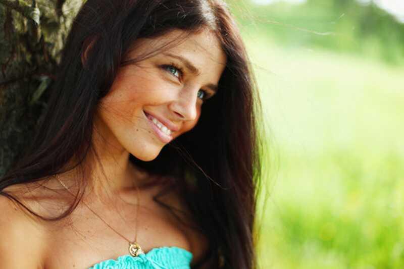 10 naravnih anti-aging izdelkov za nego kože, ki jih morate poskusiti