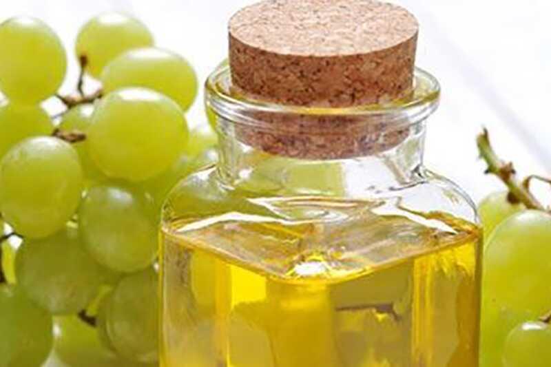 10 predivnih prednosti ulja grožđa za lepotu