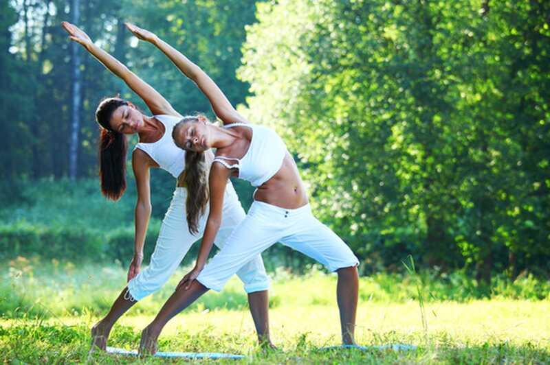 20 beneficii de yoga ar trebui să știți despre