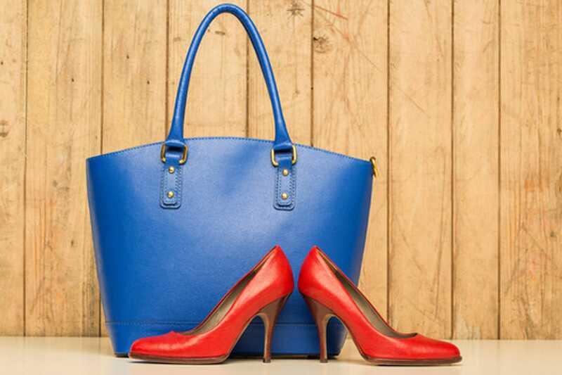 10 osnovnih stvari, ki jih morate imeti v torbici