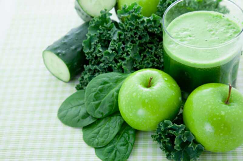3 čudovite in okusne zelene gladkosti recepti za detox vaše telo