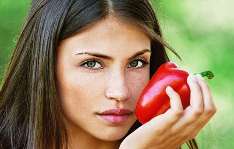 Top 10 letnih nasvetov za nego kože za ženske z mastno kožo