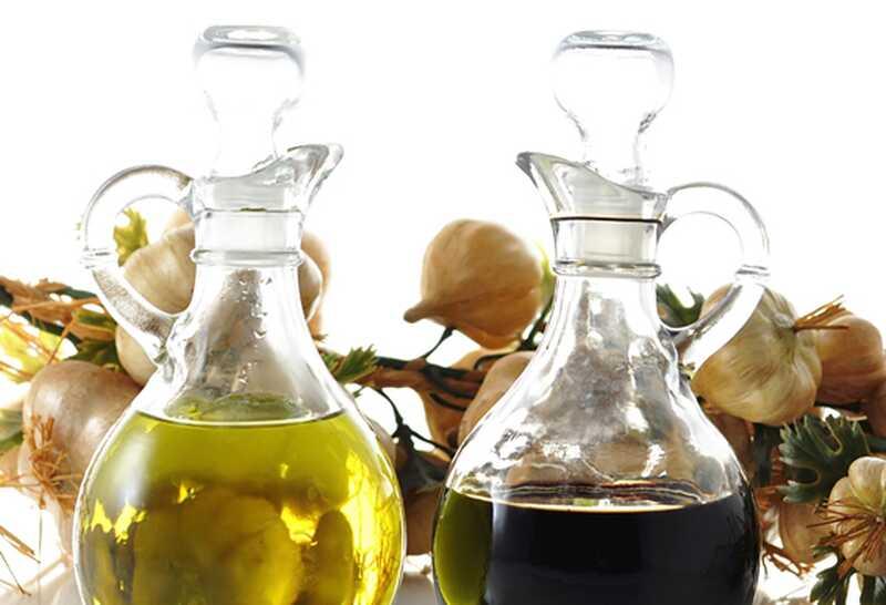 10 čudovitih naravnih olj, ki jih lahko uporabite za svojo lepoto