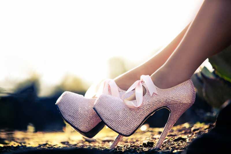9 morajo poznati nasvete, kako lažje in brez bolečine hoditi po visokih petah