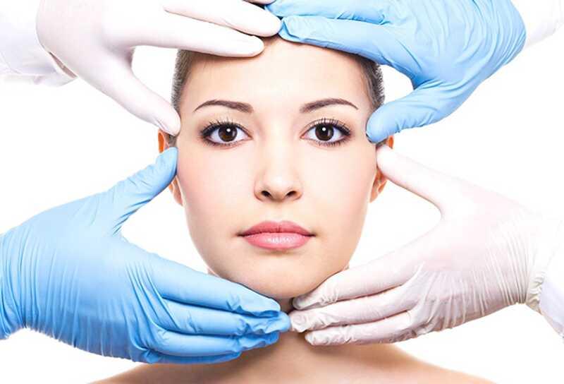 8 stvari, da razmisli, preden gre za kozmetično plastično kirurgijo