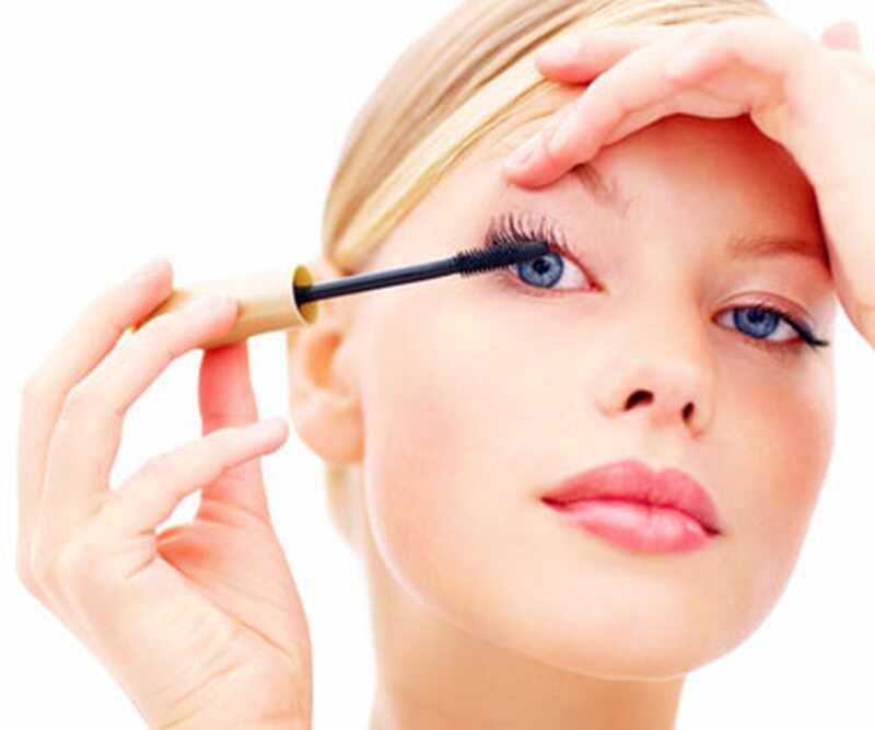 Колико дуго треба да задржите шминку? 7 савета о датумима истицања шминке
