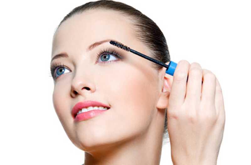 8 napak, ki jih morda povzročate pri nanašanju ličila za oči
