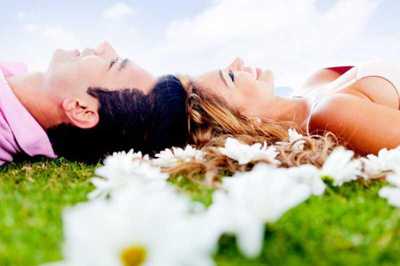 8 stvari, ki vas verjetno zadržujejo pri iskanju ljubezni