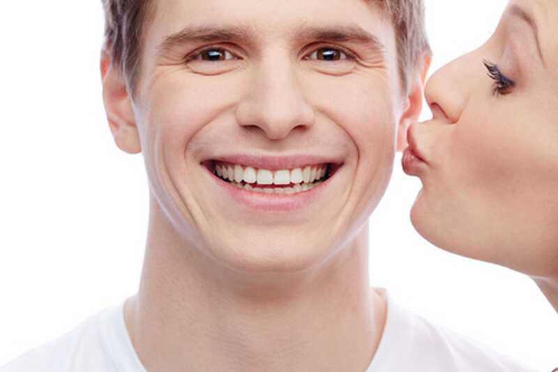Največ 20 različnih vrst poljubov mora vsakdo doživeti