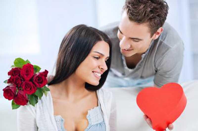 Kako narediti tvojo punco srečno? 8 slavni nasveti za fantje