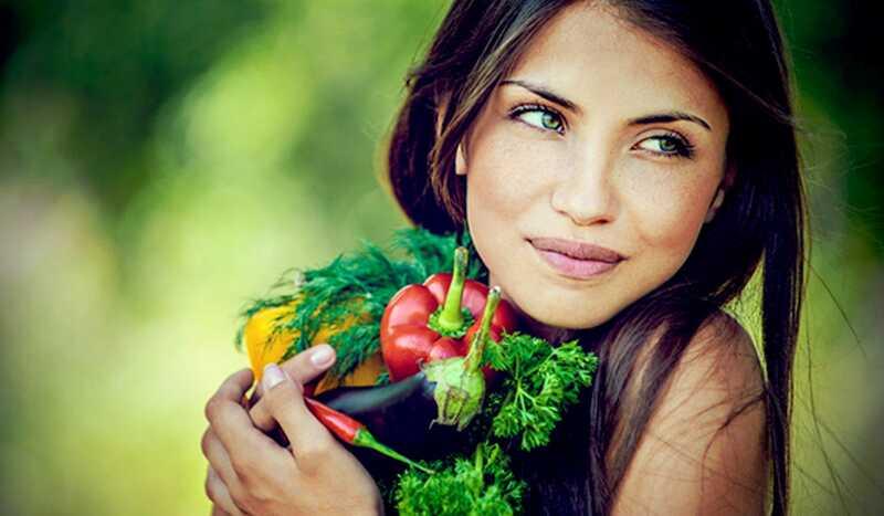 Kaj jesti, da ima lepo in žarečo kožo? 17 živil za čisto kožo