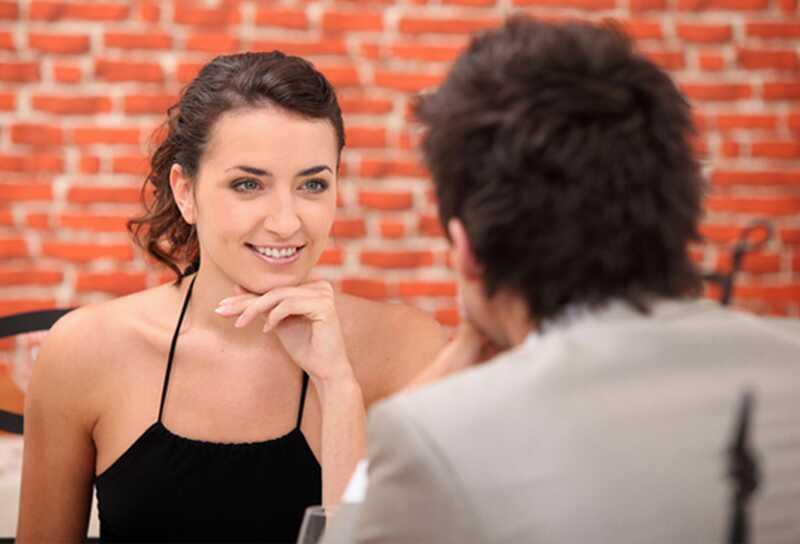 8 sugerencias creativas sobre cómo iniciar una conversación con tu pareja