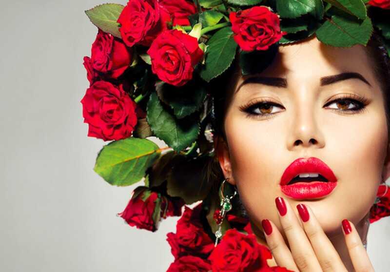 9 wskazówek i wskazówek do makijażu dla delikatnych i zdrowych ust