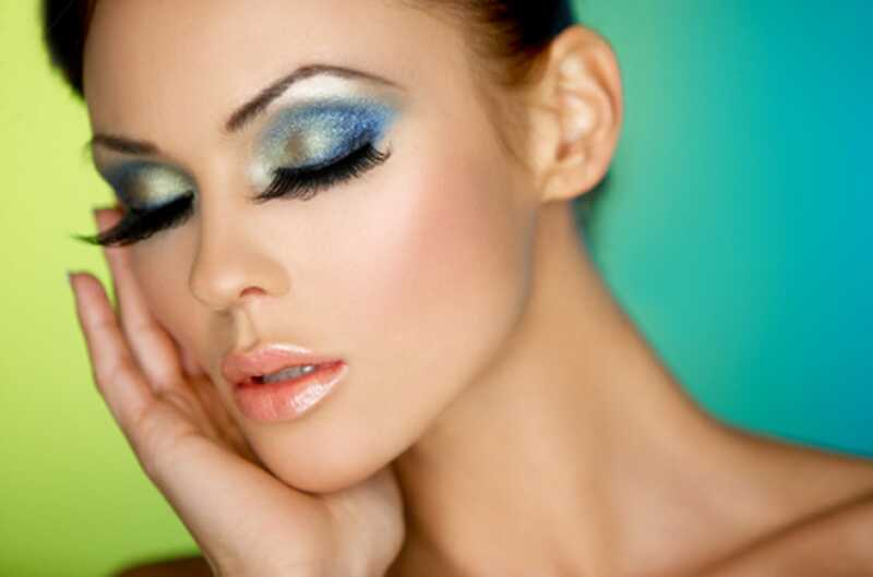 10 napotkov za ličenje, kako narediti oči izstopati in videti večje