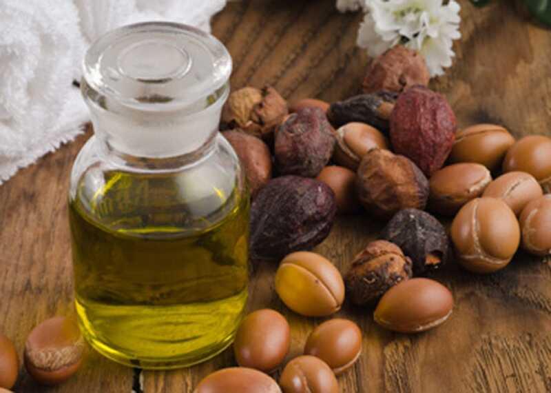 12 neverjetnih prednosti maroškega arganega olja za zdravje in lepoto